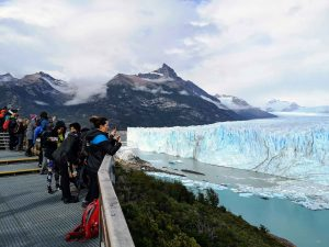 TDF-Perito-Moreno-People-Photographing-Glacier-5-11-20